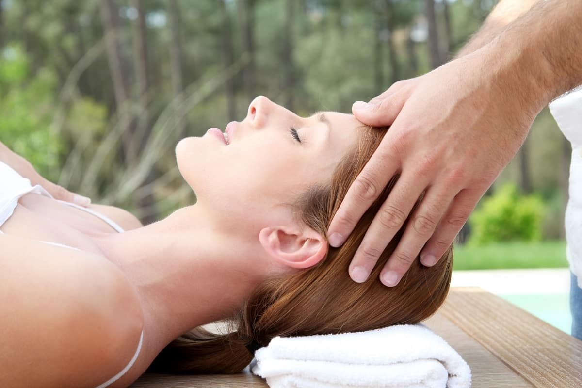 massage therapy to help treat migraines