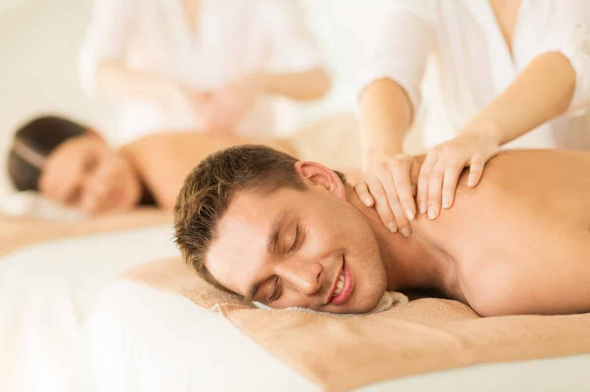 how massage lowers stress and anxiety
